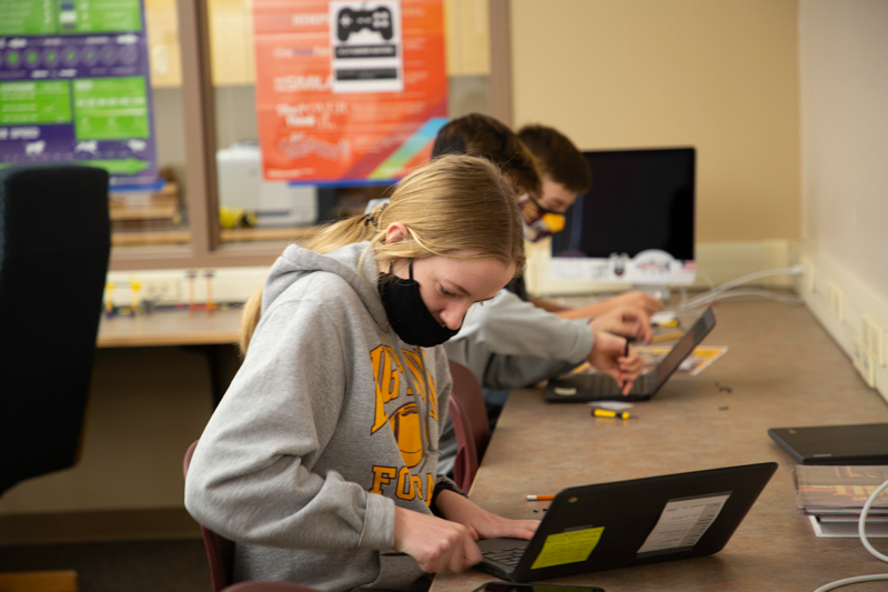 Pine Cove Consulting Teaches Students to Repair Chromebooks